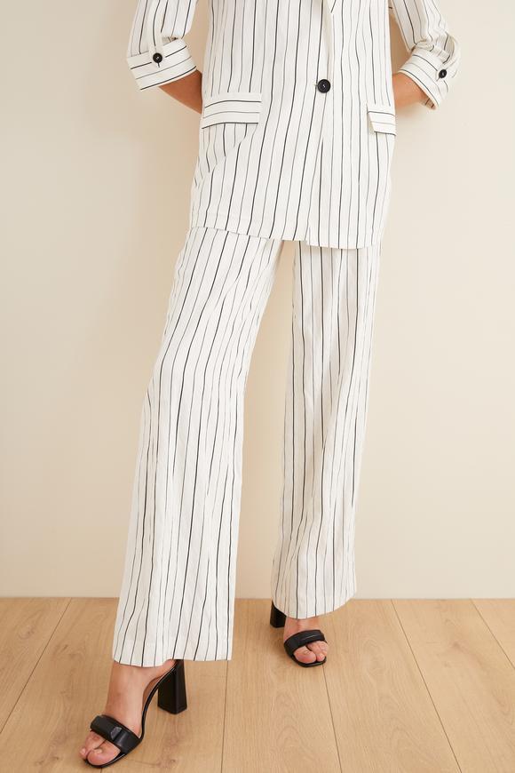 Beyaz Yandan Cepli Çizgili Pantolon