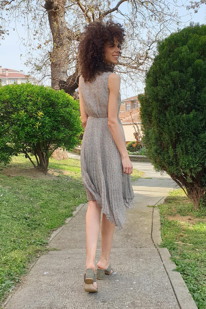 Bej Piliseli Elbise