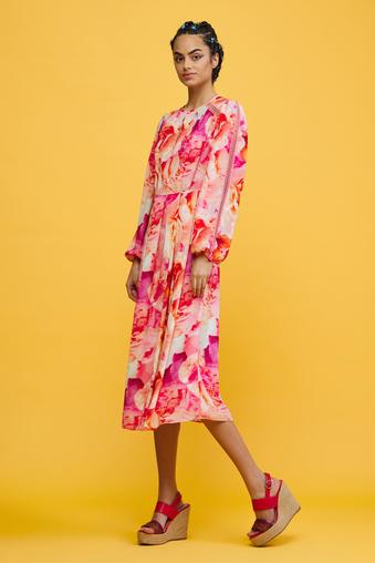 Pembe Uzun Kollu Elbise
