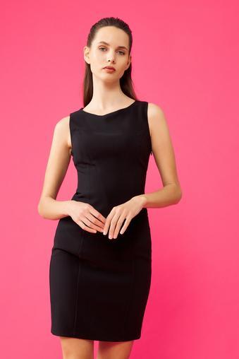 Siyah Kayık Yaka Elbise