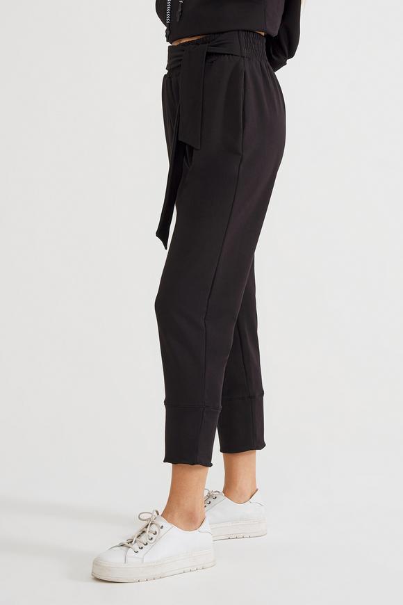 Siyah Belden Bağlamalı Pantolon