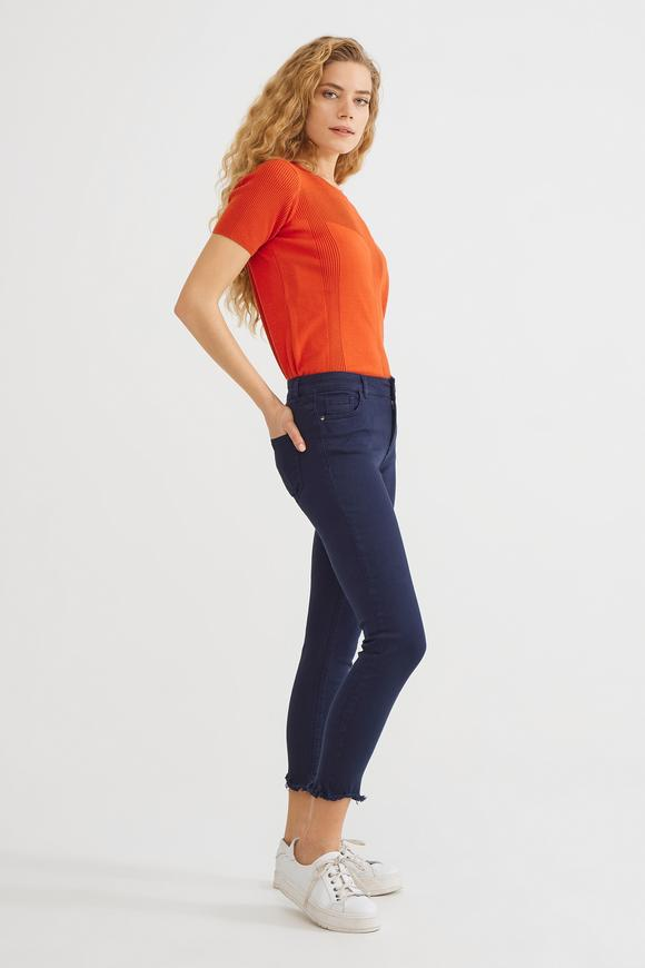 Lacivert Paça Detaylı Pantolon