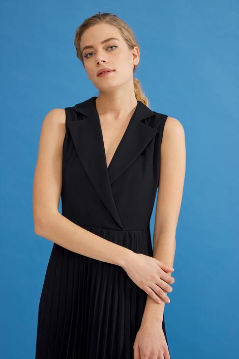 Siyah Kolsuz Elbise