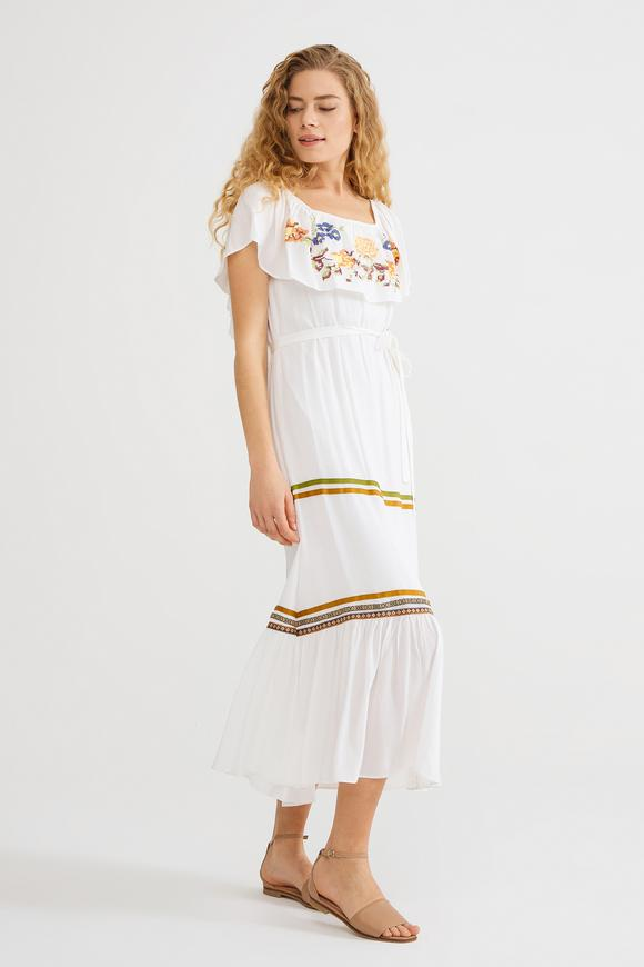 Bej Nakışlı Elbise
