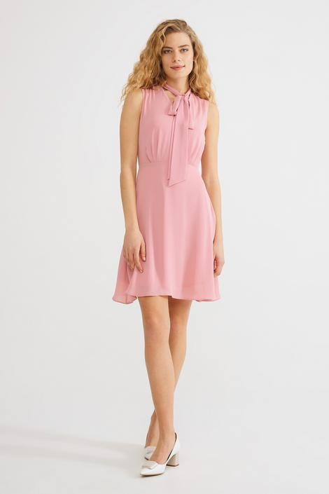 Pembe Yakası Bağcıklı Elbise
