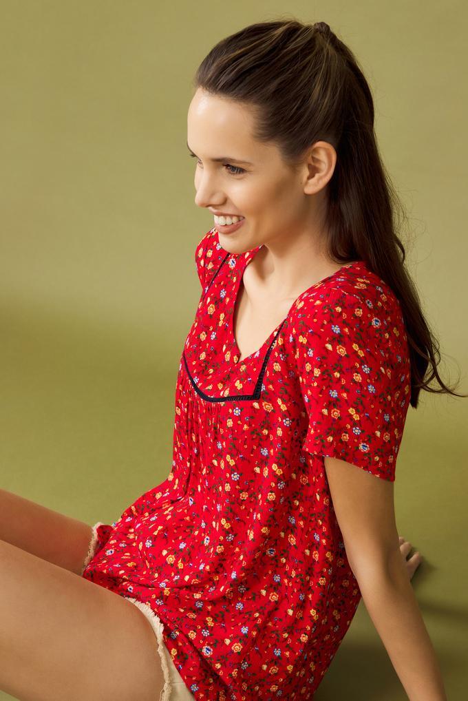Kırmızı Desenli Bluz