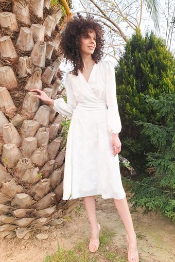 Beyaz Kesme Jakar Elbise