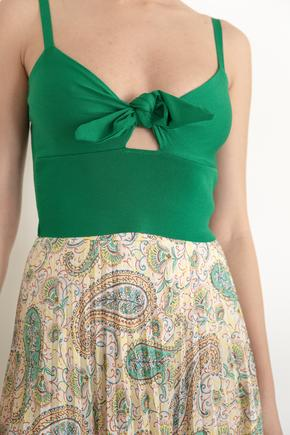 Yeşil Bağcıklı Triko