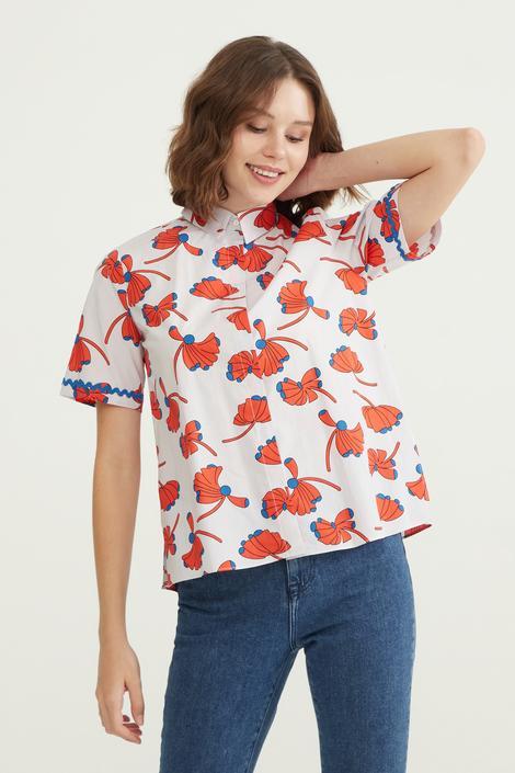 Kırmızı Yanları Yırtmaçlı Gömlek