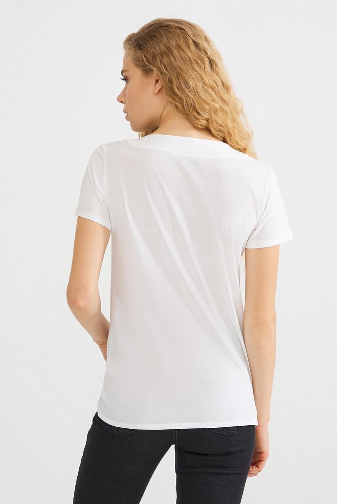 Bej Yakası Zincirli Tişört