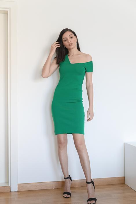 Yeşil Düşük Omuzlu Elbise