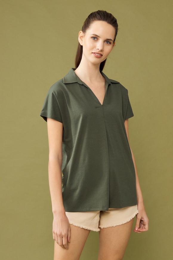 Yeşil Yakası Dantelli Kolsuz Bluz