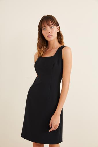 Siyah Kolsuz Dar Elbise