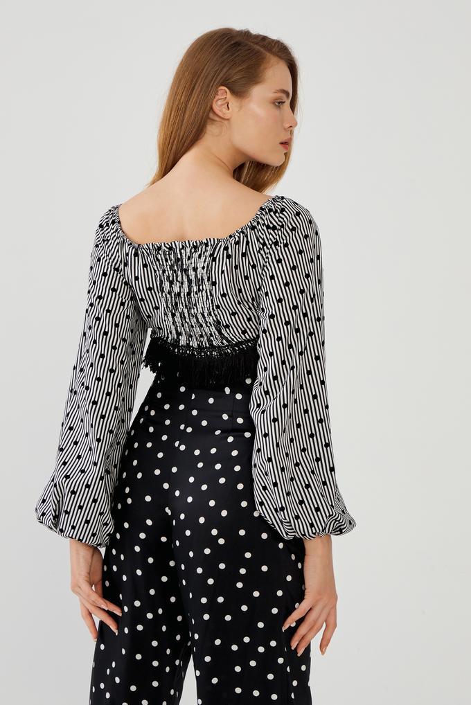 Siyah Püsküllü Balon Kollu Jakarlı Crop Bluz