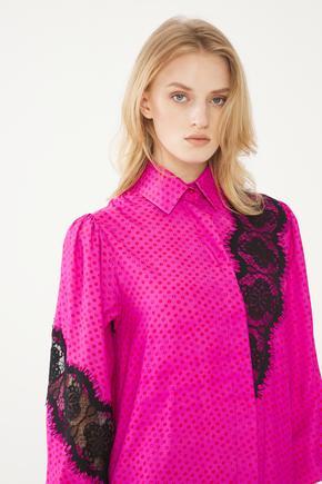 Pembe Dantel Detaylı Gömlek Elbise