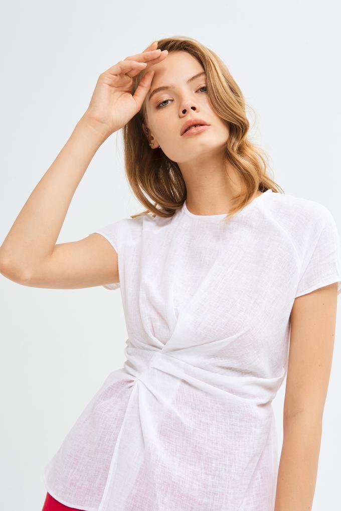 Beyaz Önü Drapeli Beli Kuşaklı Asimetrik Keten Bluz