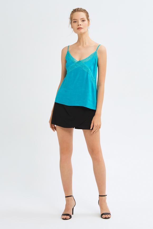 Mavi Şerit Dantelli Askılı Bluz