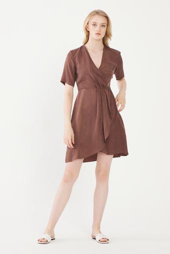 Kahverengi Kısa Kol Elbise