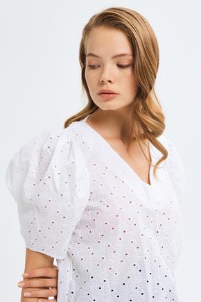 Beyaz V Yaka Bluz