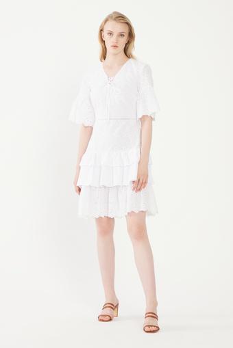 Beyaz V Yaka Bağlamalı Elbise
