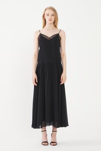 Siyah Nervür Detaylı Elbise