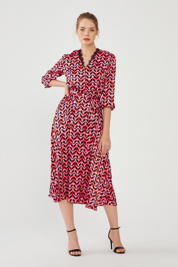 Kırmızı Desenli Elbise