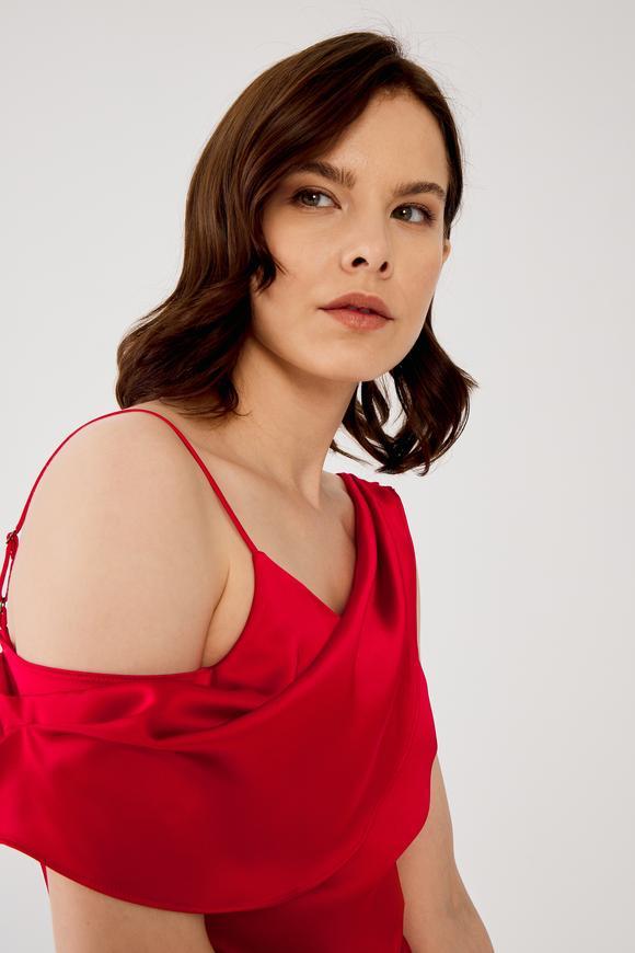 Kırmızı Asimetrik Bluz