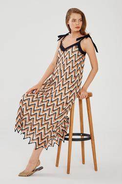 Garni Detaylı Elbise