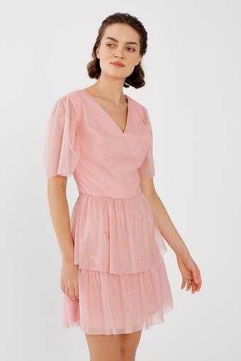 Pembe V Yaka Elbise