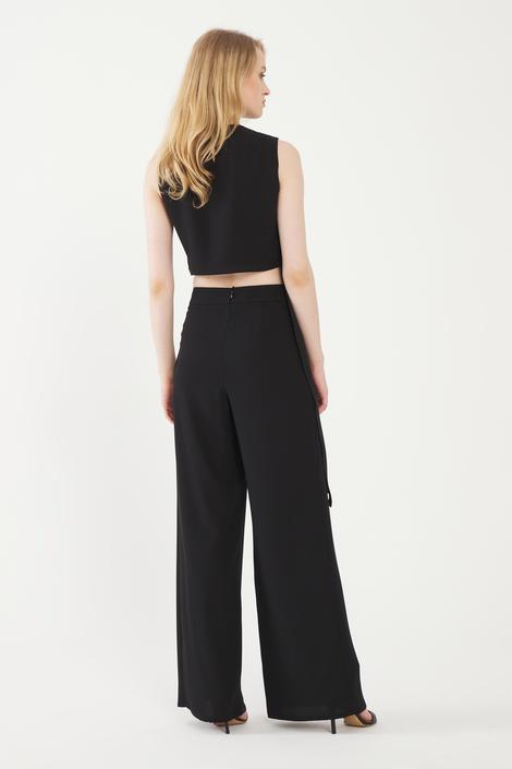 Siyah Yırtmaçlı Pantolon