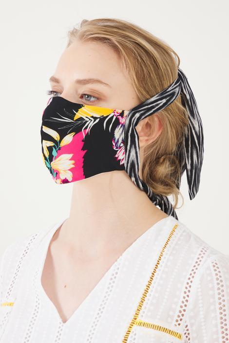 Siyah Desenli Maske