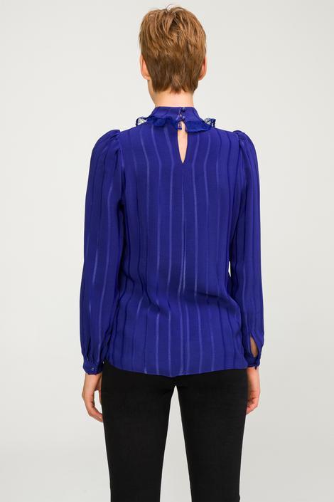 Mor Dantel Detaylı Bluz.