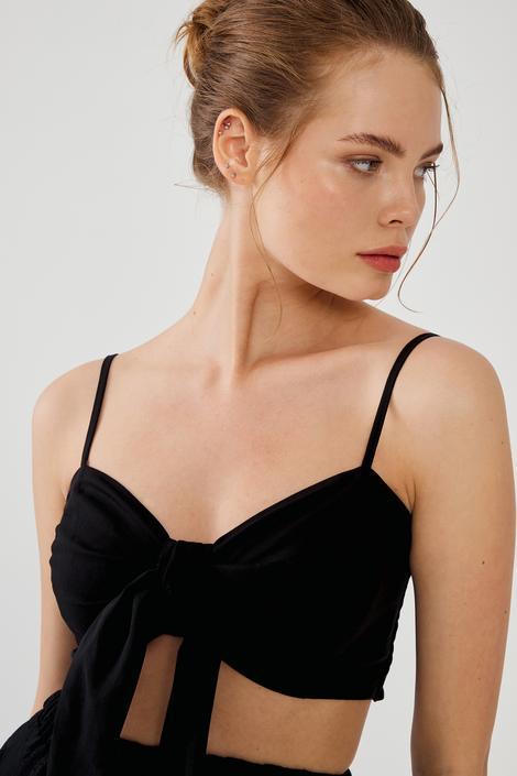 Siyah Önü Bağcıklı Crop Bluz