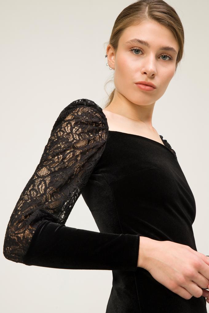Siyah Kolları Dantelli Elbise