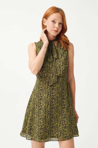 Yeşil Yakası Fularlı Şifon Elbise