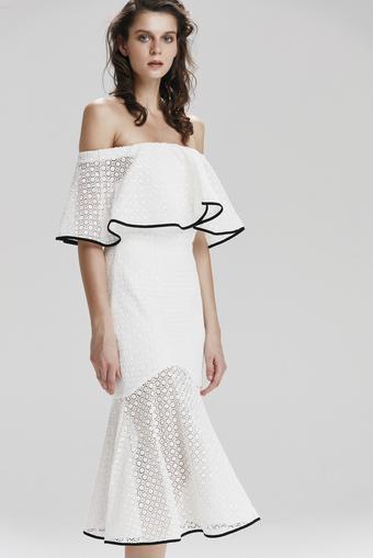 Beyaz Volanlı Dantel Elbise