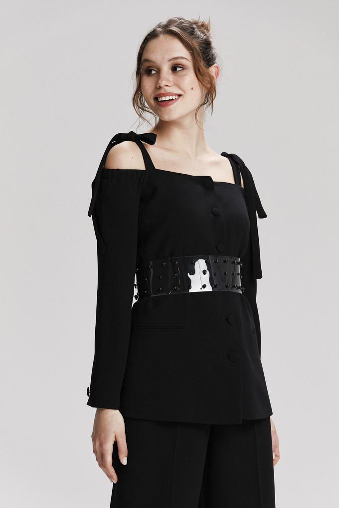 Siyah Omuzdan Bağcıklı Ceket