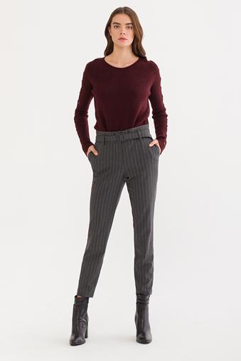 Gri Beli Fırfırlı Pantolon