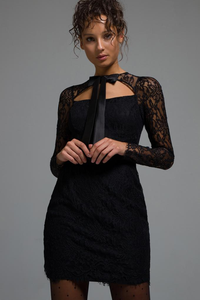 Siyah Fiyonklu Dantel Elbise