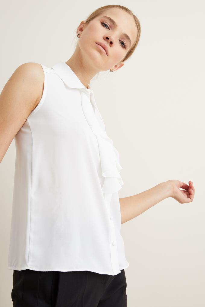 Bej Volanlı Kolsuz Gömlek