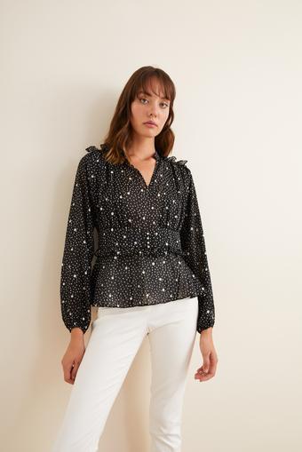 Siyah Desenli  Omuzları Fırfırlı Bluz