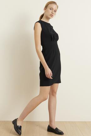 Siyah Önü Düğmeli Dar Elbise