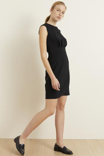 Siyah Önü Düğmeli Elbise