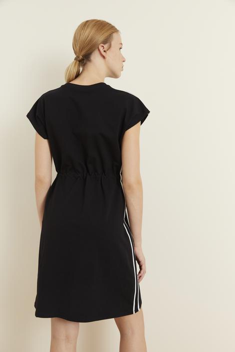 Siyah Şerit Detaylı Örme Elbise