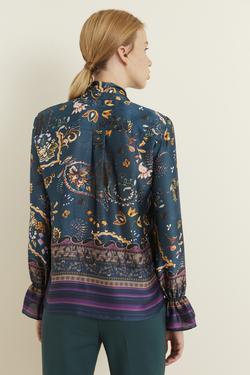 Yakası Fularlı Desenli Bluz