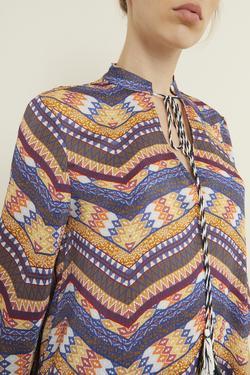 Yakası Püsküllü Desenli Bluz