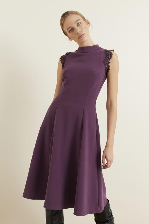 Mor Omuzları Dantelli Kloş Elbise