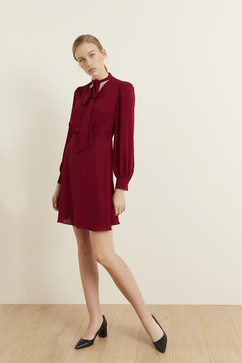 Bordo Yakası Fularlı Şifon Elbise