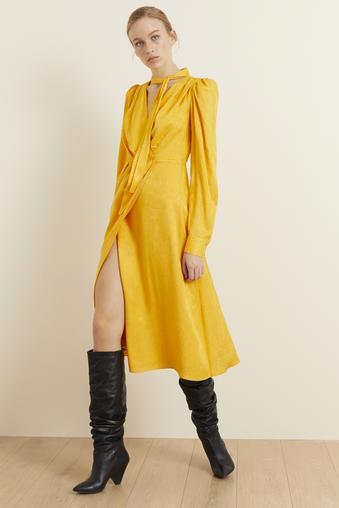 Sarı Boyundan Bağlamalı Jakar Elbise