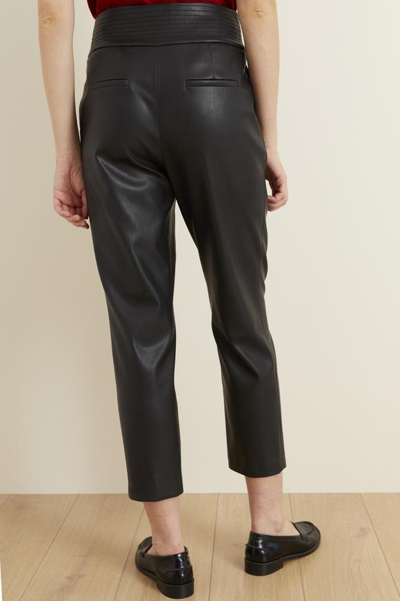 Siyah Dikiş Detaylı Deri Pantolon